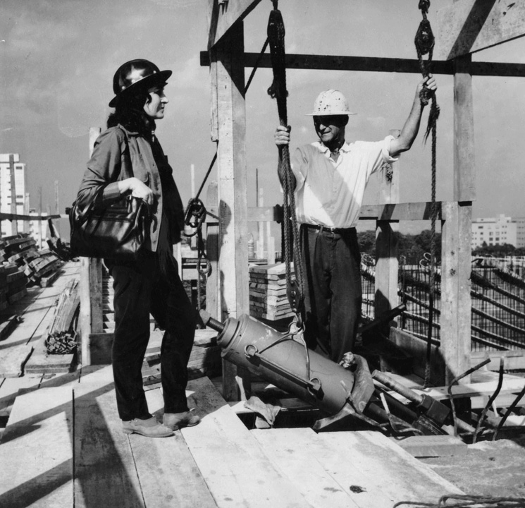 Lina Bo Bardi at the construction site of the MASP building copy