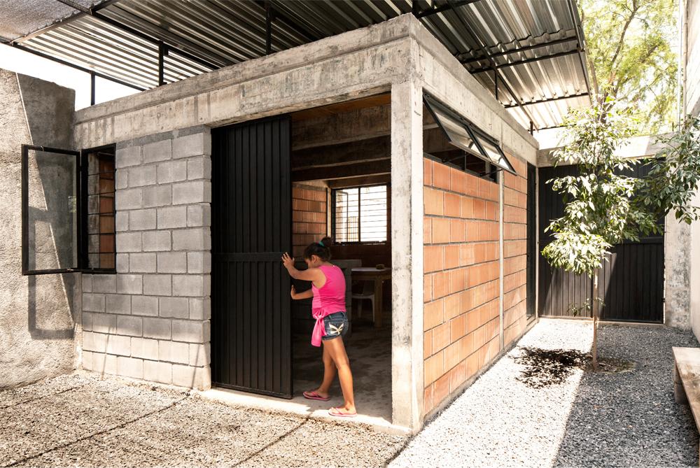 Casa cubierta comunidad vivex arquine for Cubiertas para casas