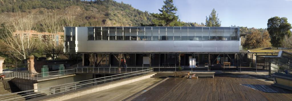 Alejandro-Aravena-Architecture-School-01