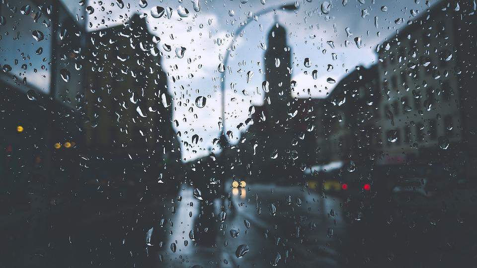 Lamppost Glass Droplets Drops Liquid Buildings
