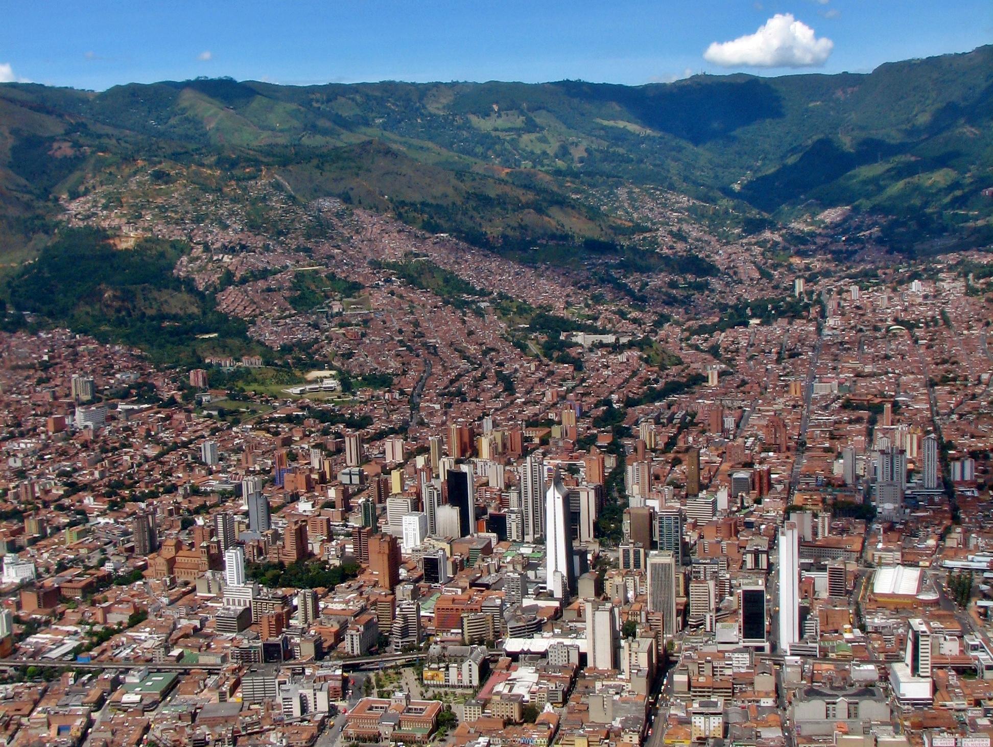 centro_de_medellin-colombia_cropped-1