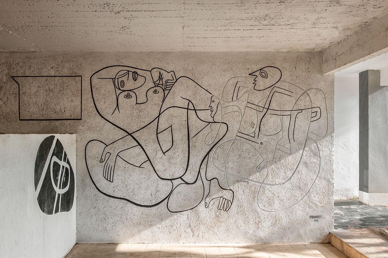 villa-eileen-gray-fresques-le-corbusier